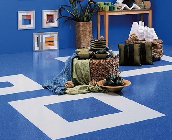 Heterogeneous flooring <br />Soft colors and classic wood designs <br />Provides cushioning underfoot