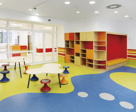 Foam backed vinyl floor <br />Excellent resistance to indentation and abrasion<br /> Ideal for all commercial areas